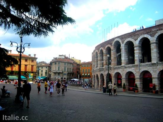 V rone en italie guide italie for Cuisinier 22000