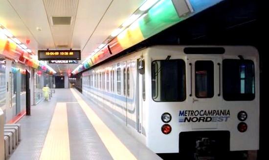 le metro de naples en Italie