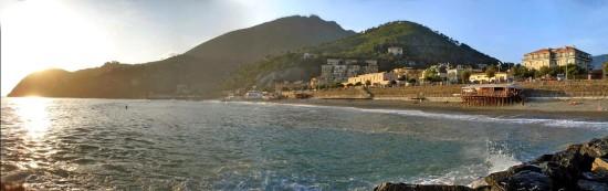 Surf dans la baie de Levanto