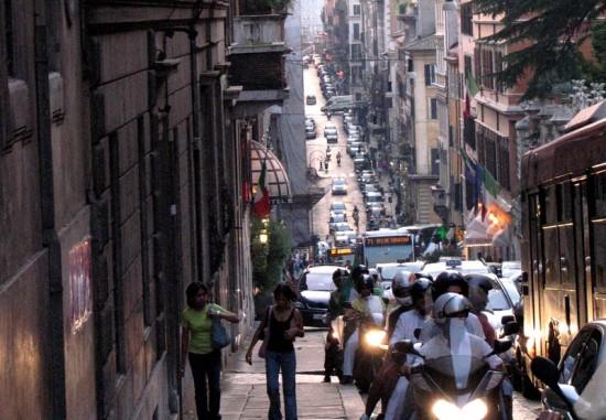 Circulation automobile à Rome