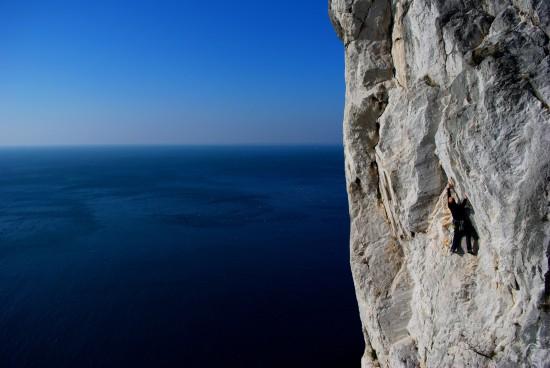 Escalade au bord de mer en Italie